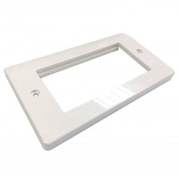 Faceplate Curved Single Gang 4 x Euro White Internal Bevel