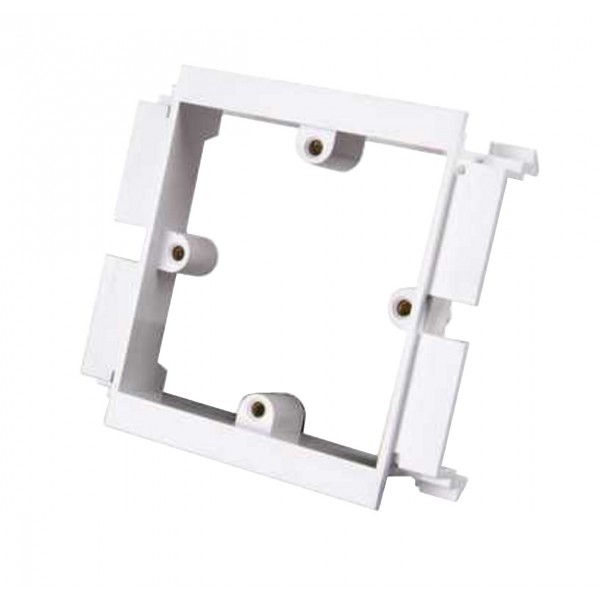 Dado Trunking Ultimate Socket Plate 1 Gang White