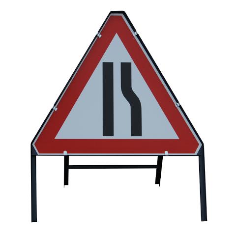 Sign Metal 750mm Road Narrows Right
